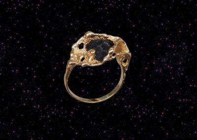 Pierścionek z meteorytem