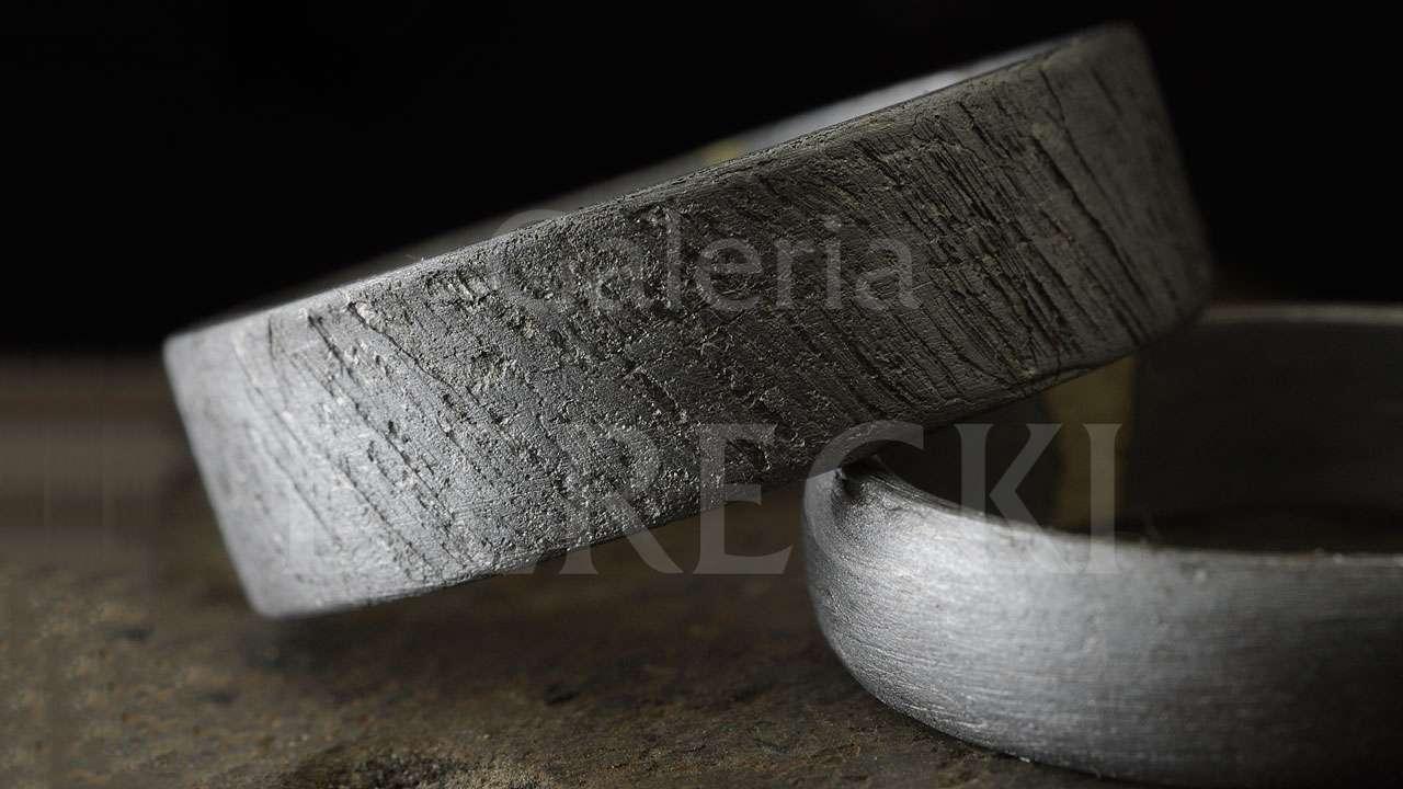 Obrączki z meteorytu żelaznego